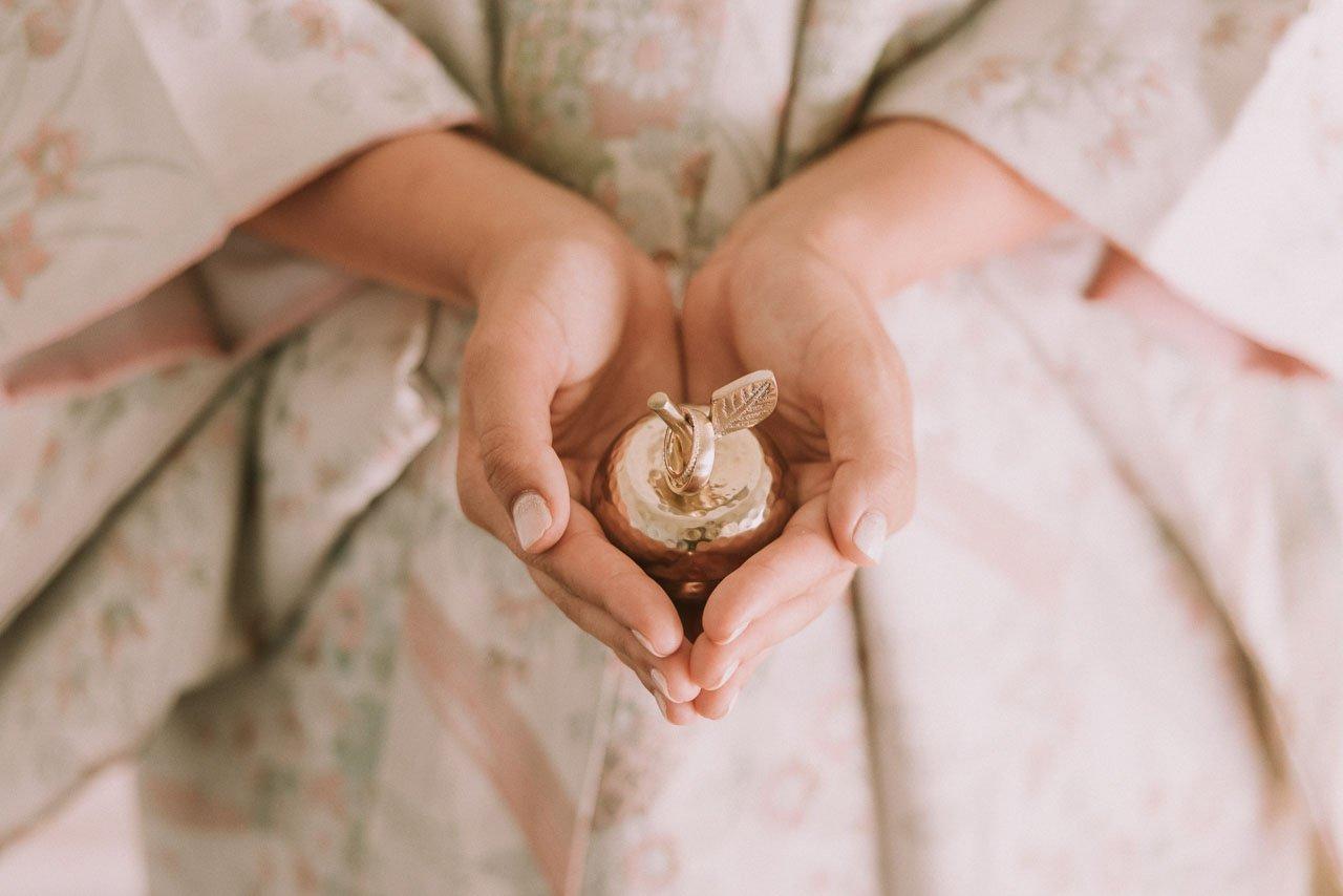 Ideas para novias de como llevar las alianzas