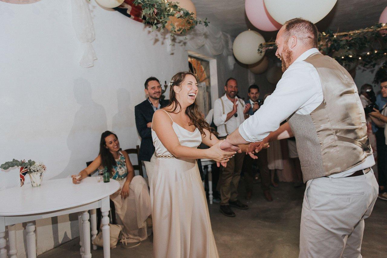 Wedding party in the Chateau de la Motte Husson. Destination wedding photographer