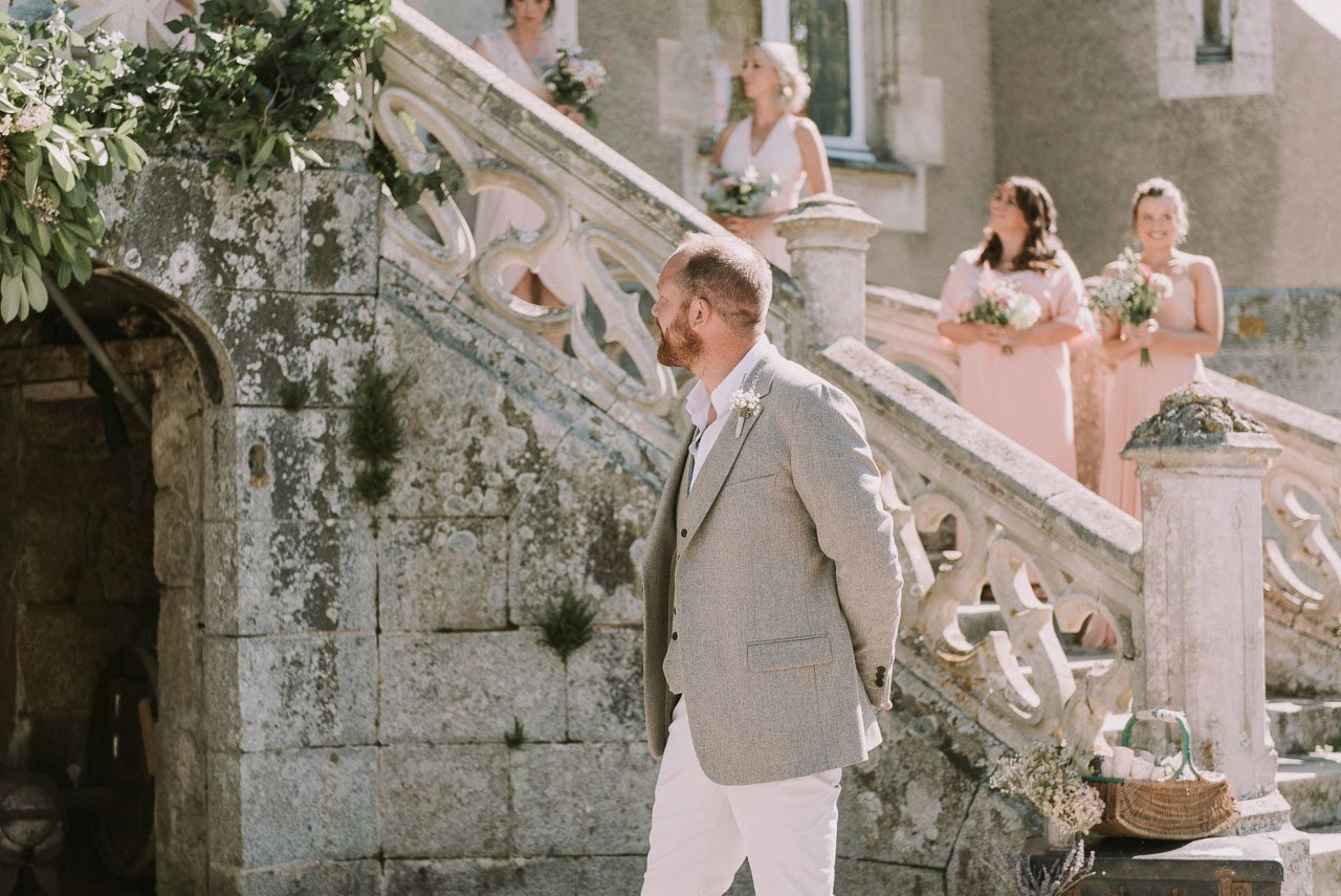 Destination wedding photography in the Chateau de la Motte Husson. The place where is film the serie Escape to the Chateau