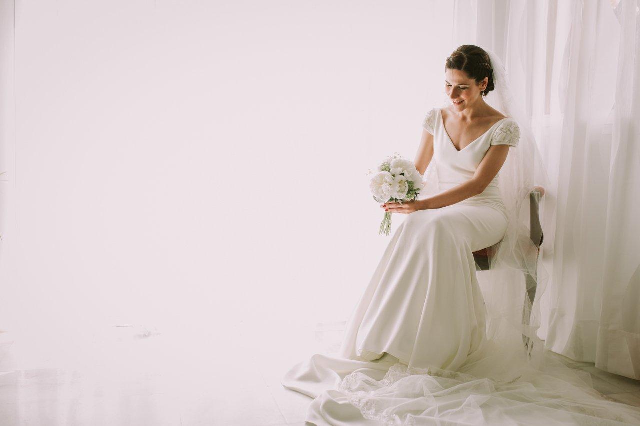 Fotografías de preparativos de la novia. Fotógrafos de bodas en Girona
