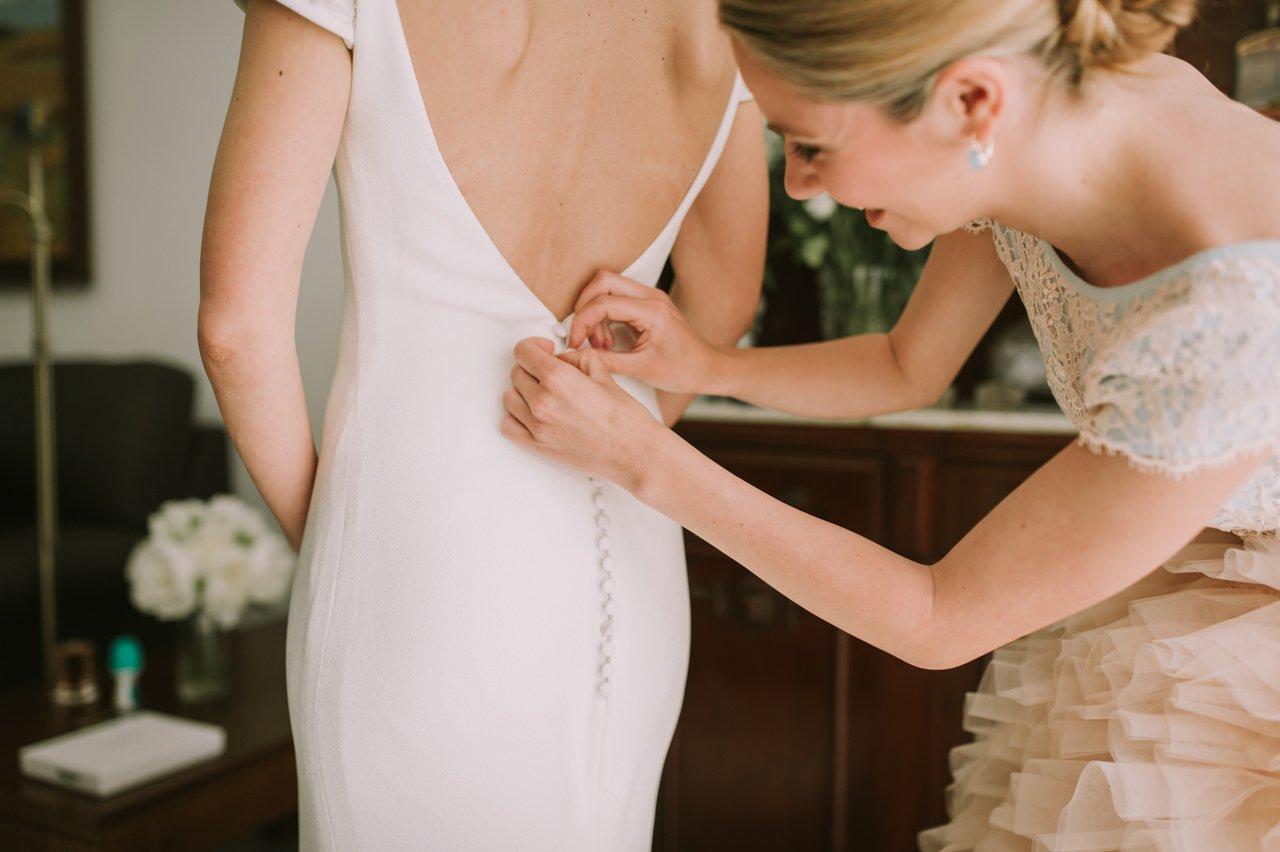 Fotografías de preparativos del novio. Fotógrafos de bodas en Girona