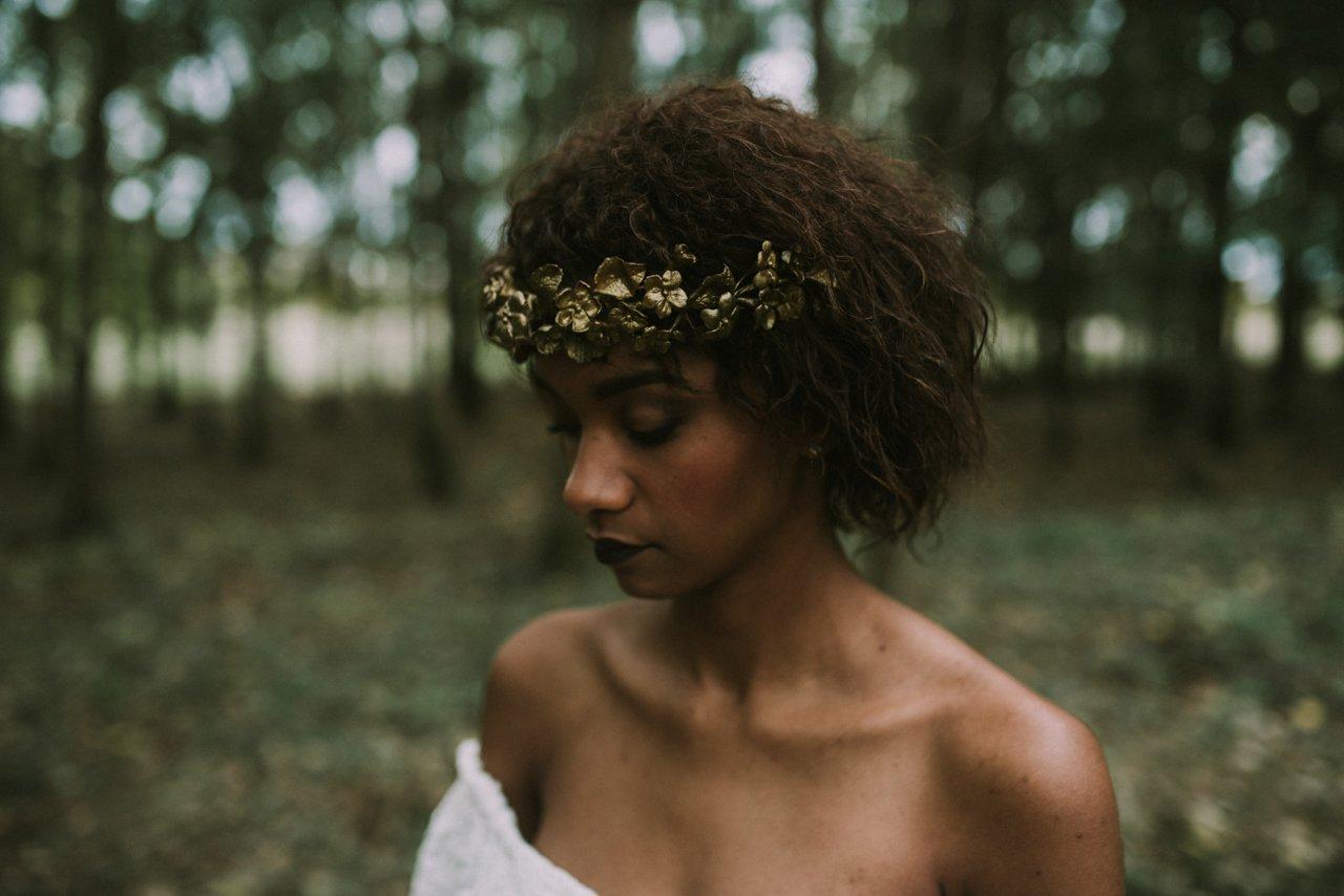 Corona de efecto oro para novias