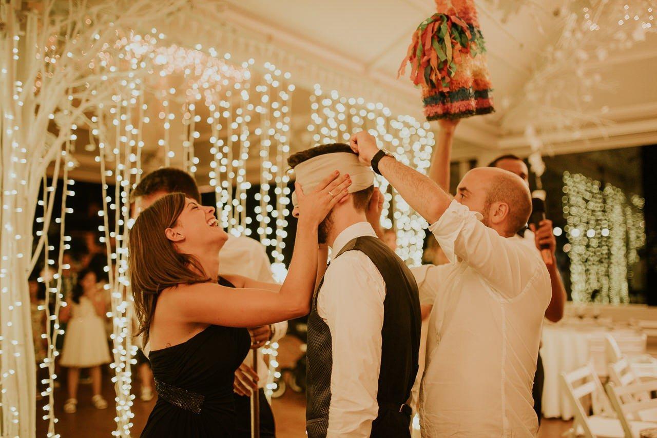 piñata en una boda