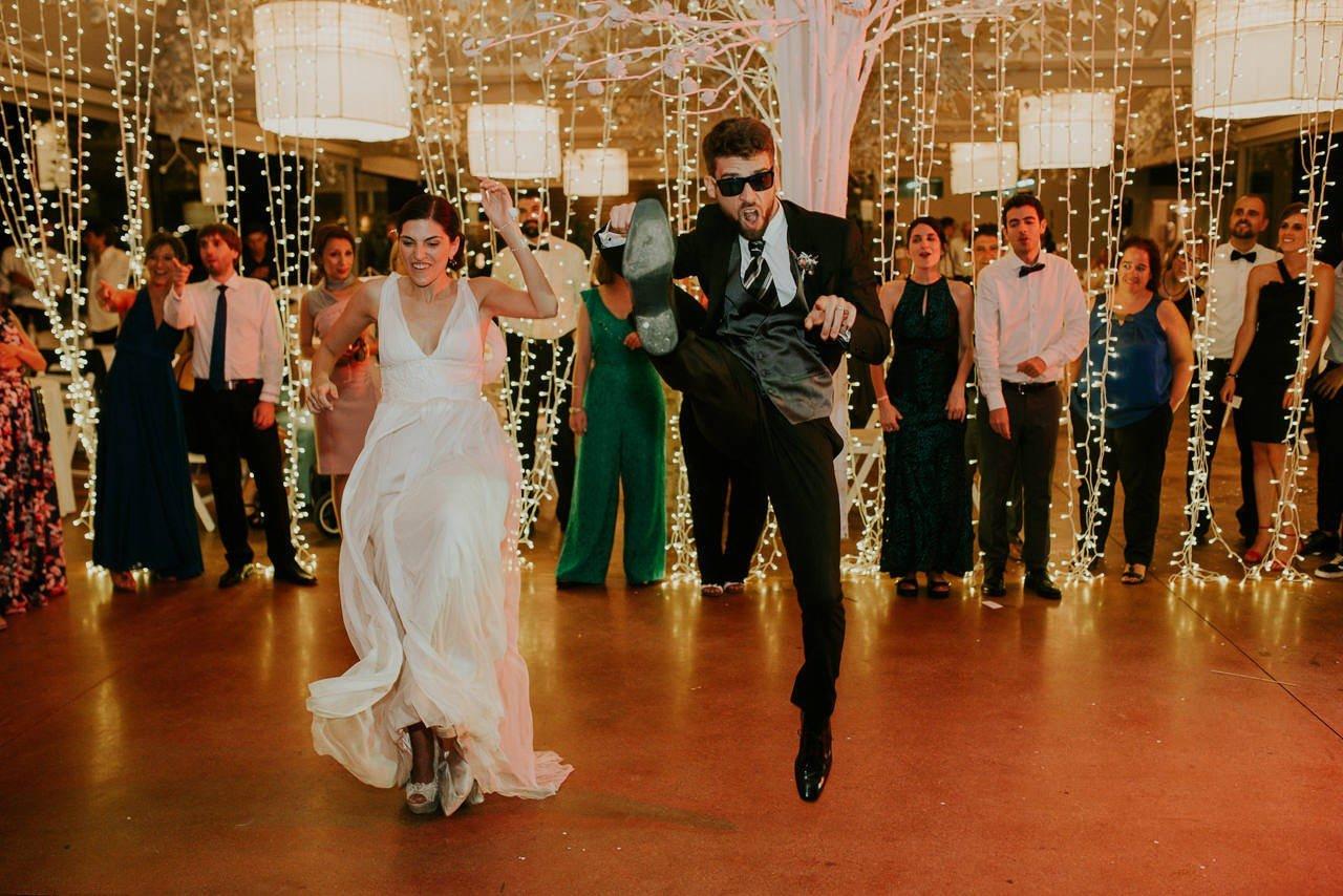 Boda en Mas Terrats baile con Costa Brava DJ