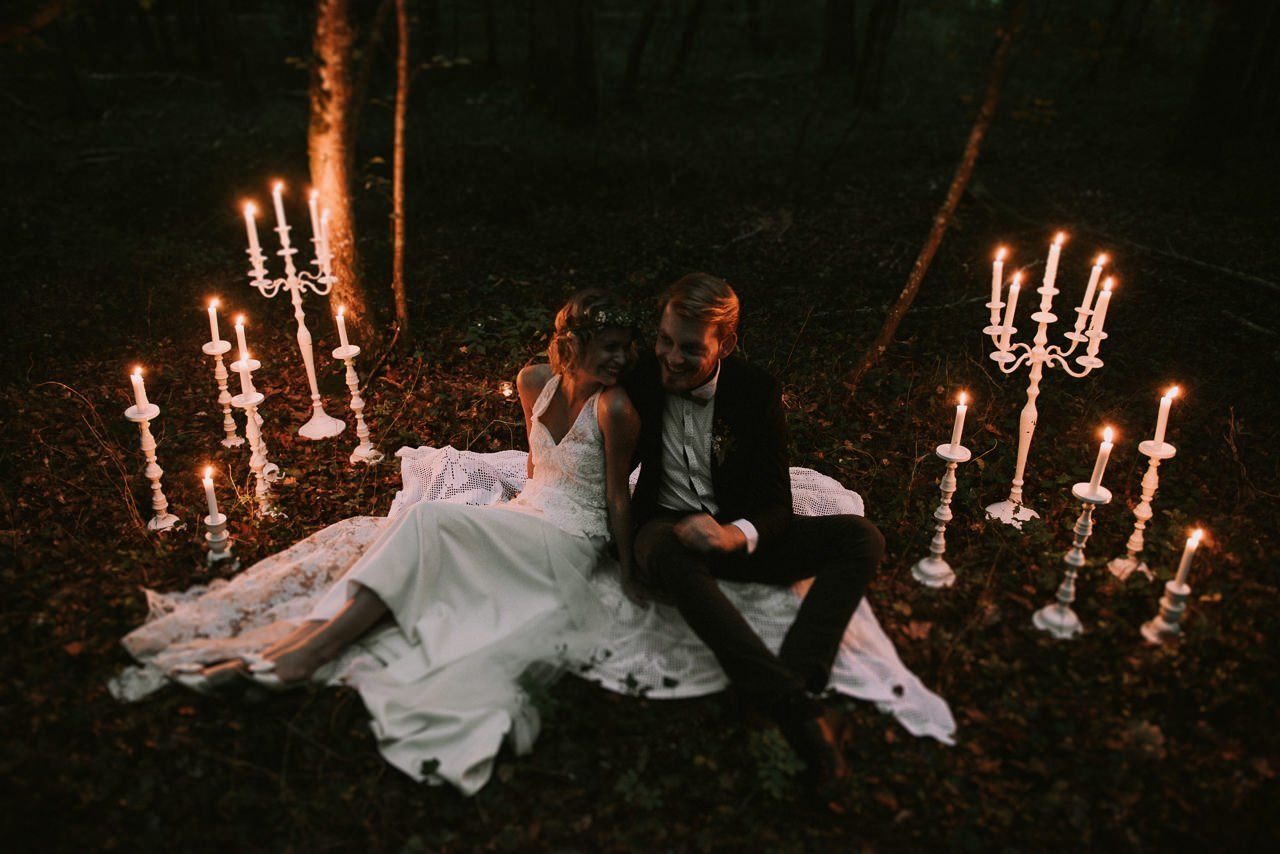 Fotógrafos de bodas con estilo espontáneo y sonrisas