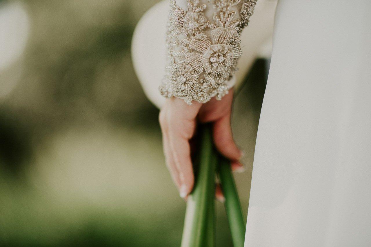 detalles puño vestido novia
