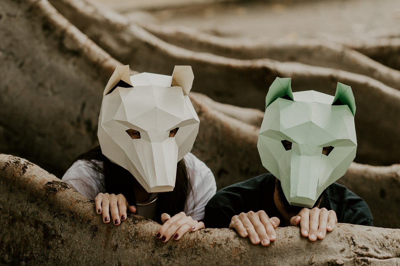 Sesión de preboda con máscaras de animales
