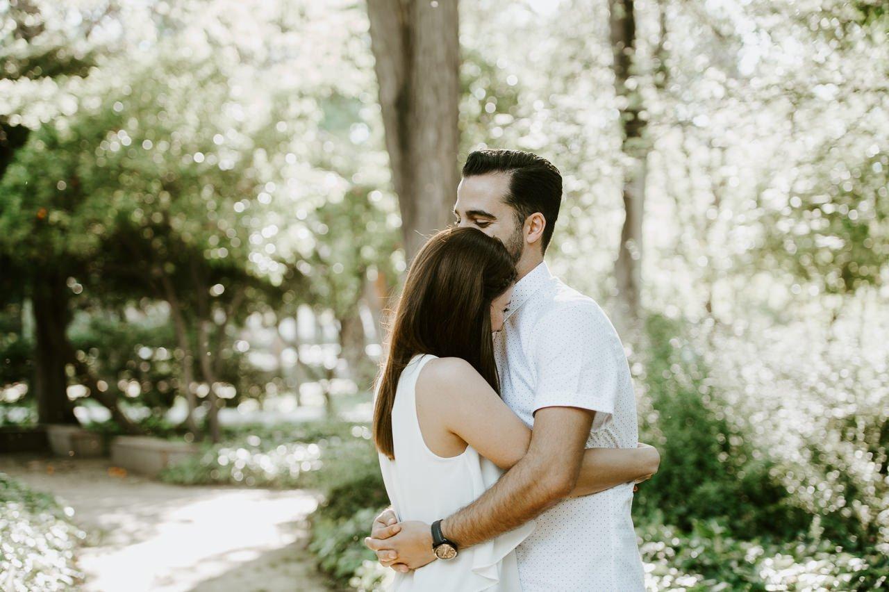 Sesiones de pareja espontáneas con risas