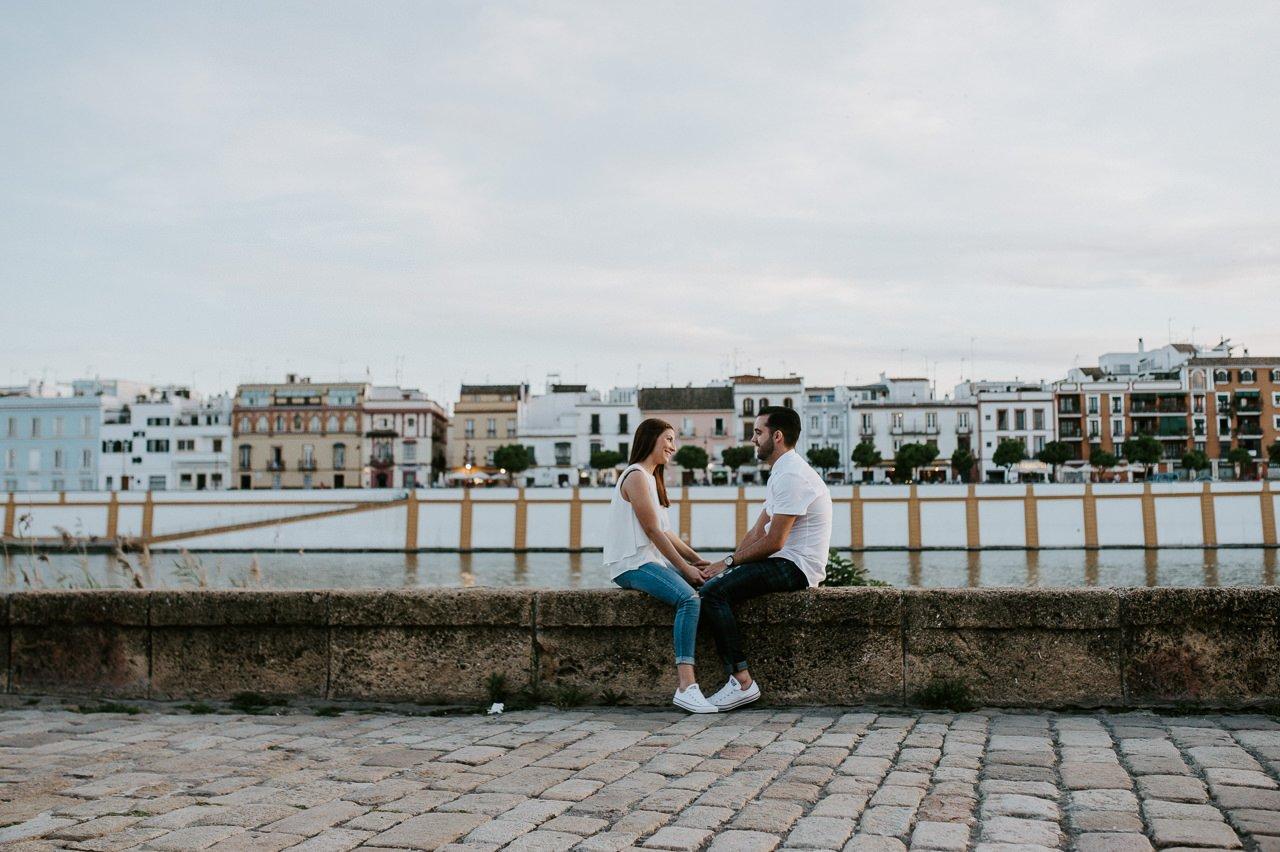 Sesiones de preboda en la calle betis de Sevilla