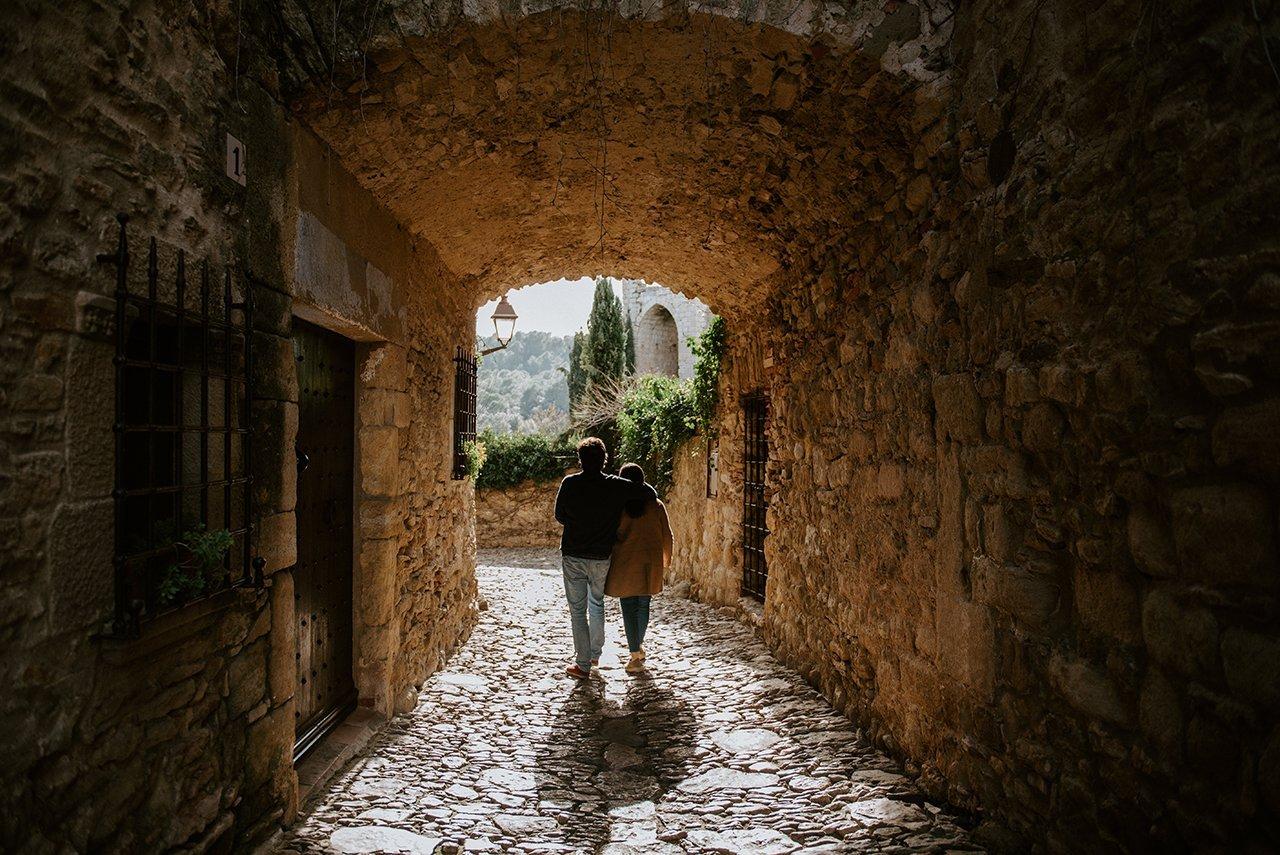 Preboda Peratallada fotògraf de casaments Girona
